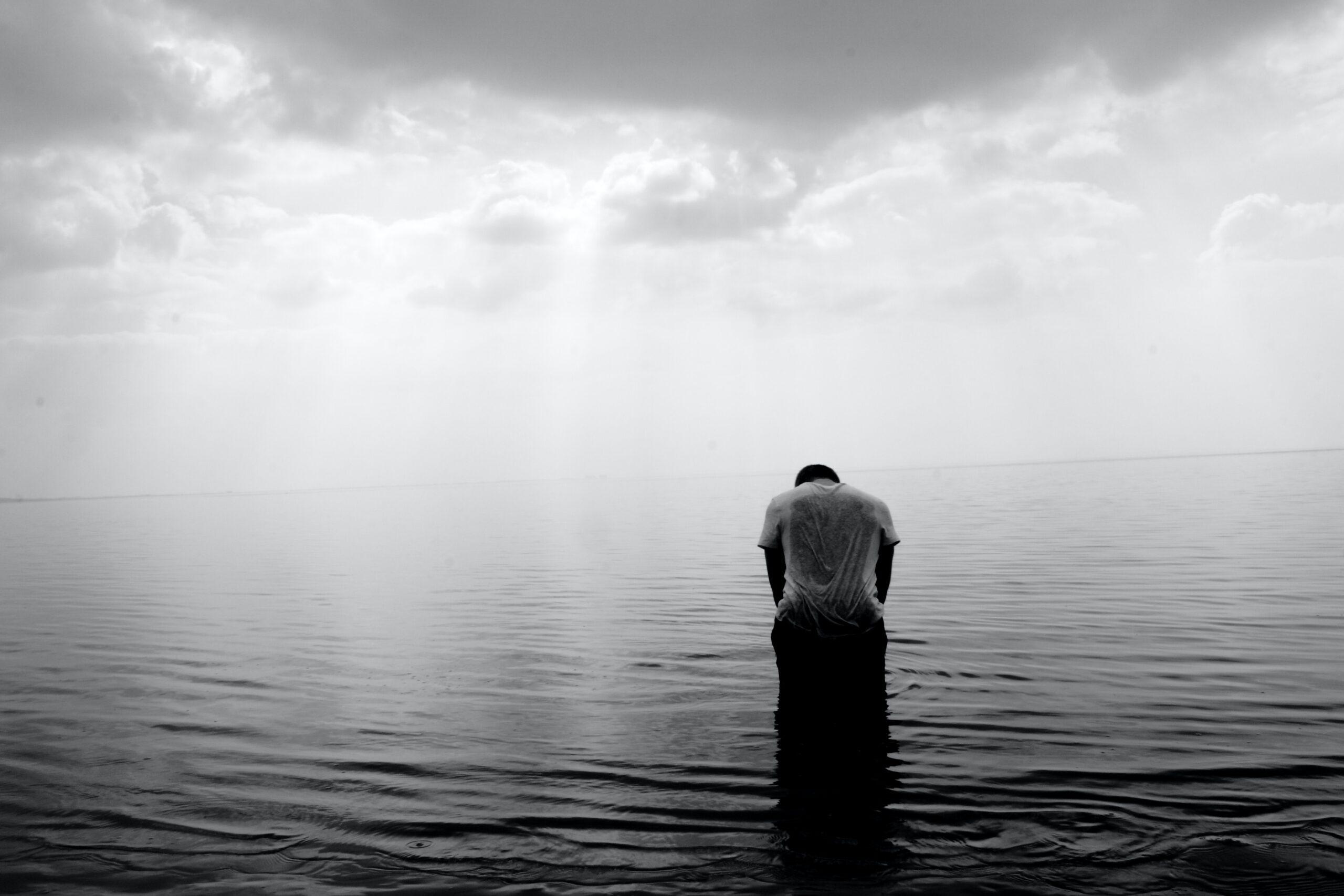 چرا آدمهای درمانده تلاشی برای نجات از درماندگی نمیکنن؟