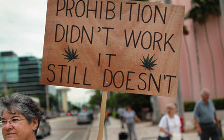 دانشمندی که از آزادسازی مواد مخدر دفاع میکند